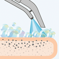 Моющее средство наносится специальным экстракторным пылесосом